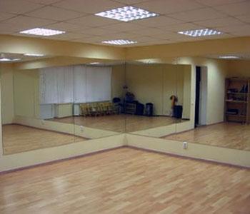 Изготовление зеркальных стен для танцевальных залов